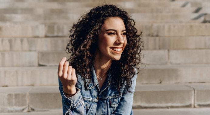 Alba Robles publica su primer álbum, 'Desde hoy'